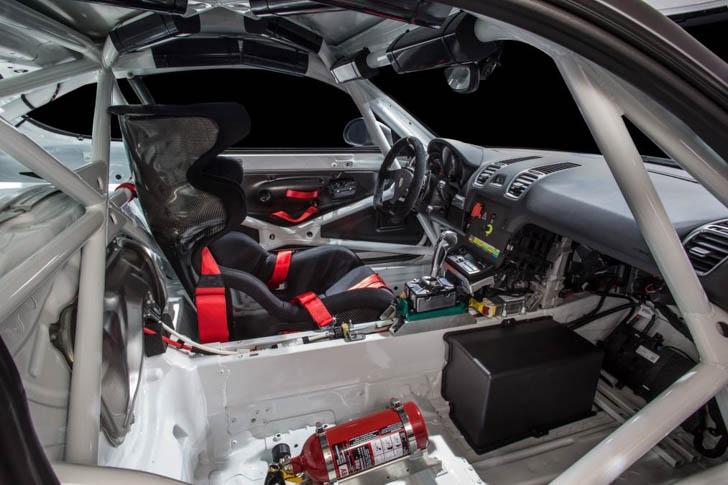 Porsche Cayman GT4 Clubsport-14