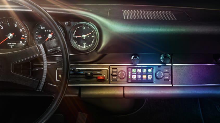 Porsche-Classic-infotainment-1