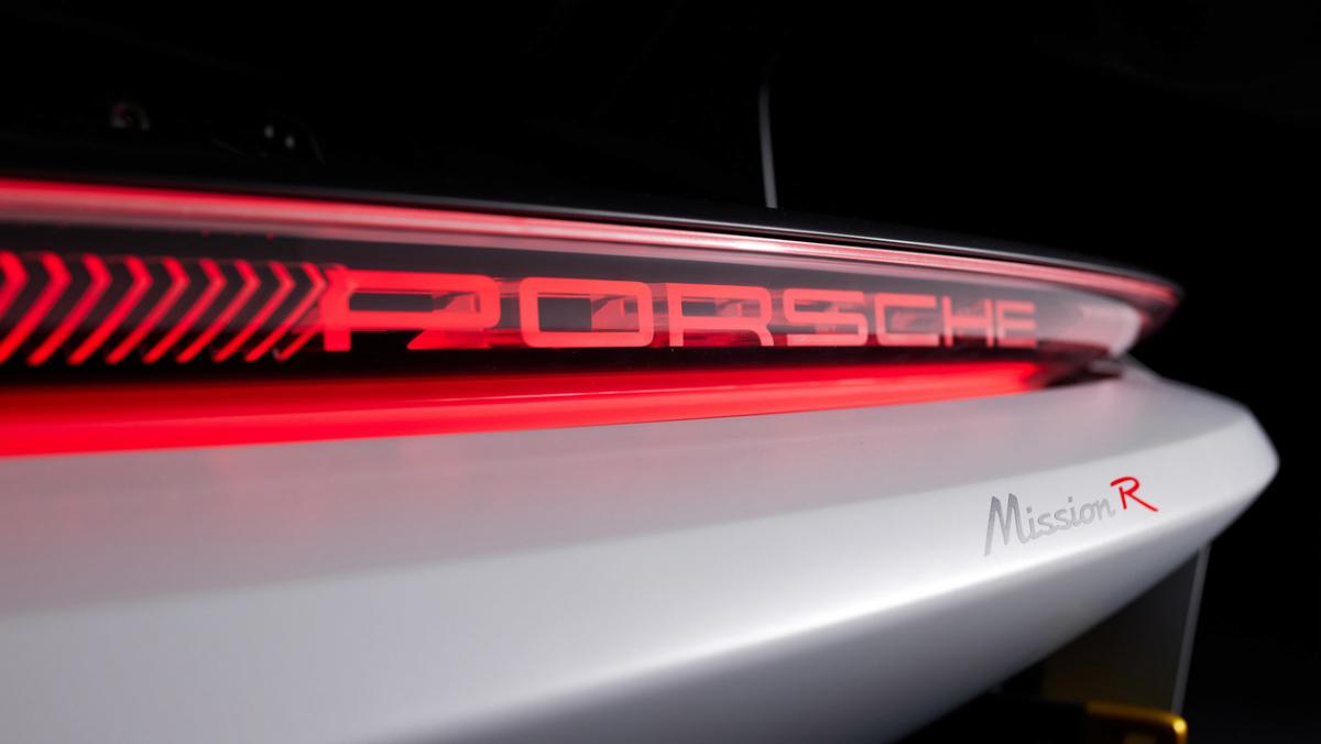 Porsche-Mission-R-9