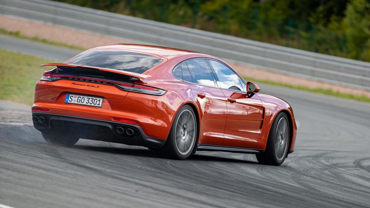 Porsche-Panamera-Turbo-S-12
