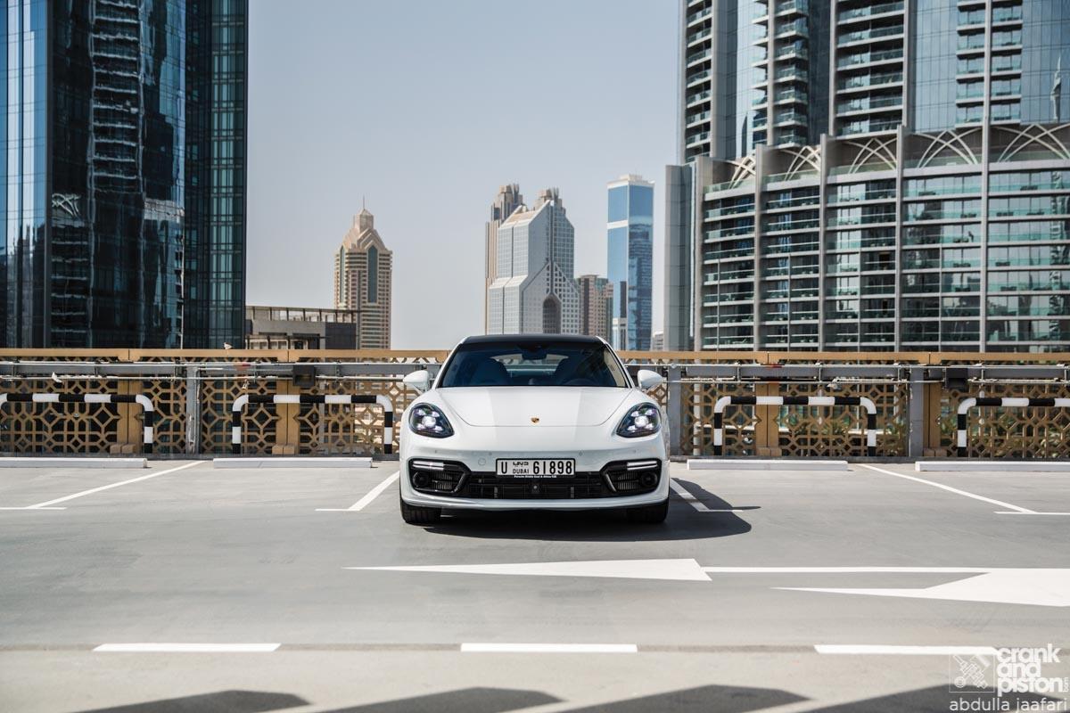 Porsche Panamera Turbo SE Hybrid-1