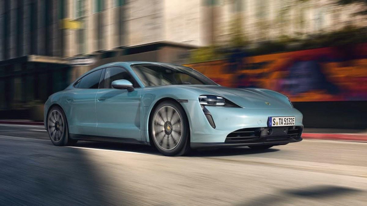 Porsche-Taycan-4S-revealed-1
