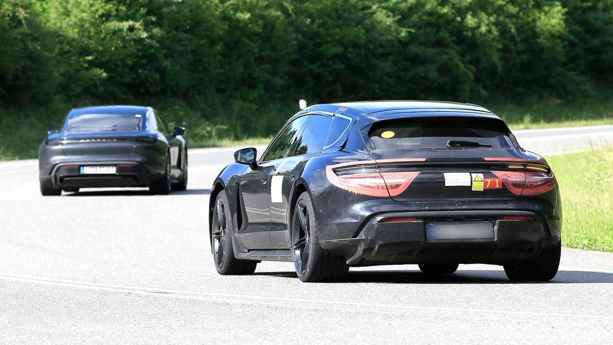 Porsche-Taycan-Cross-Turismo-3