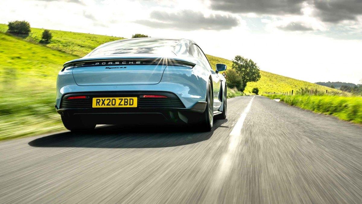Porsche-Taycan-review-12