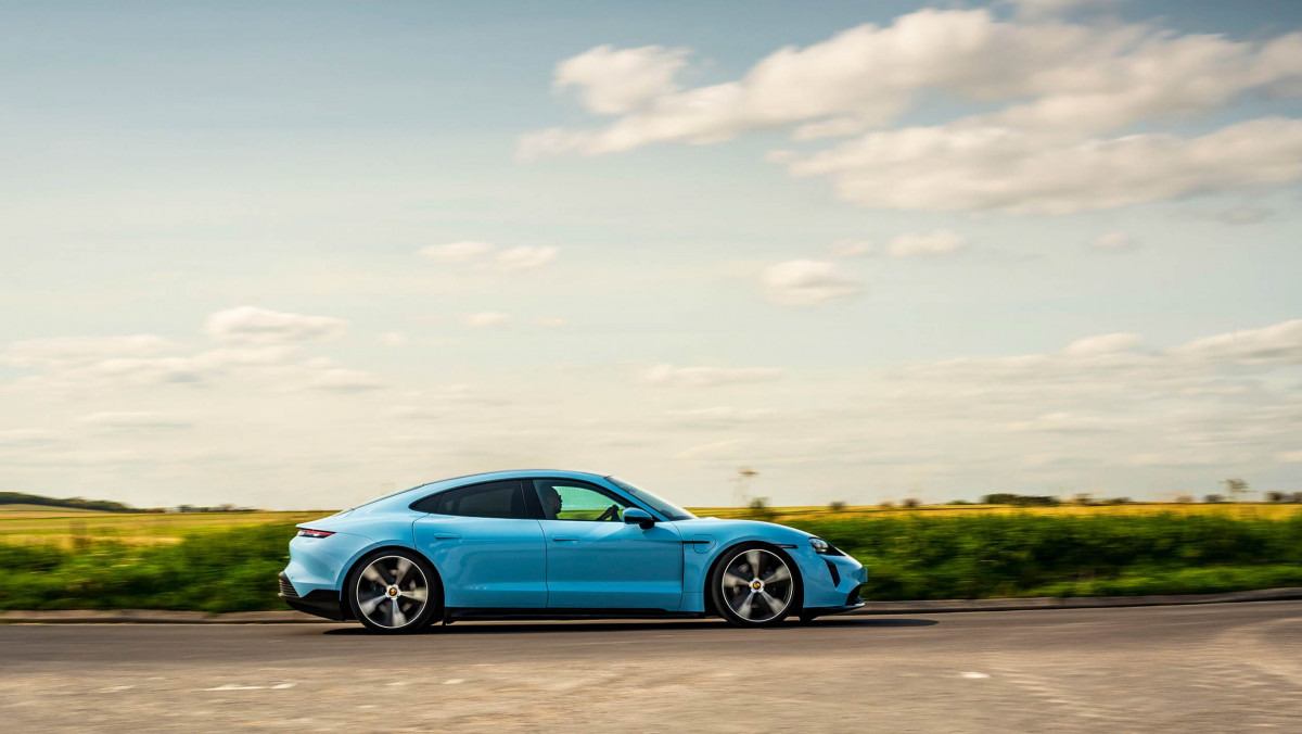 Porsche-Taycan-review-13