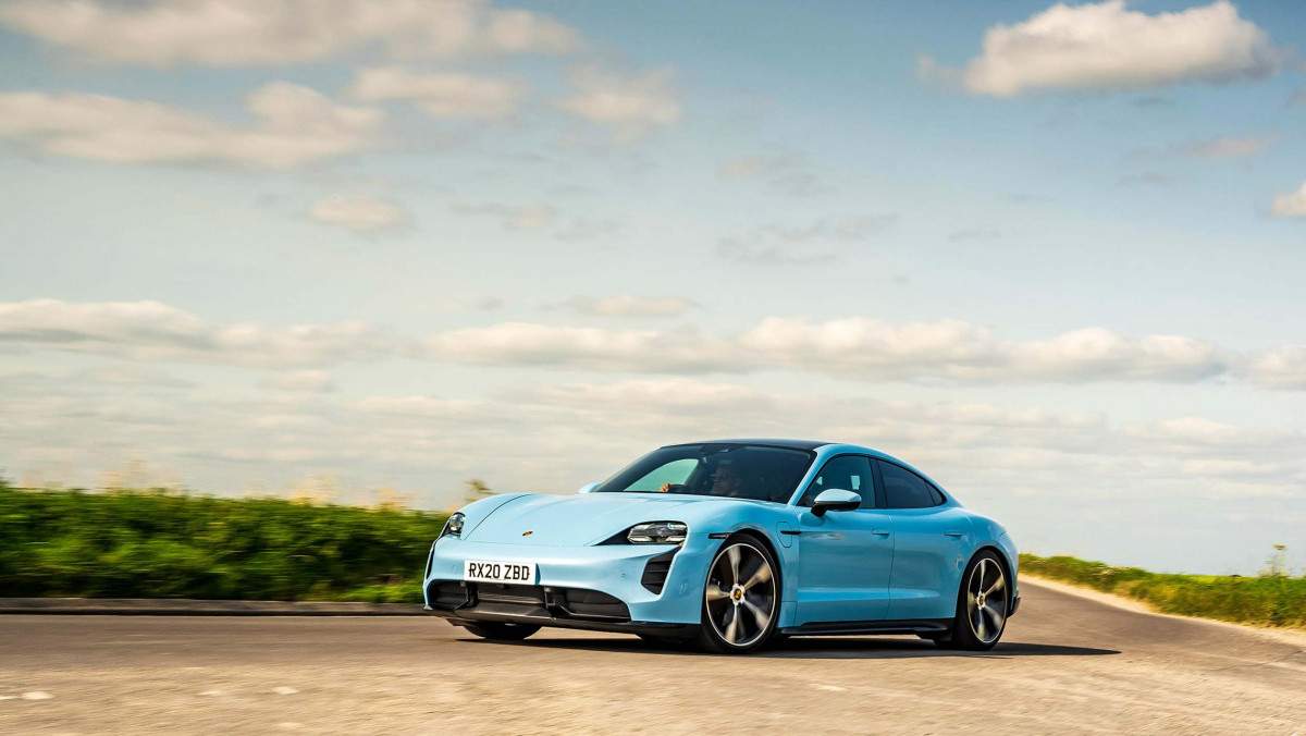Porsche-Taycan-review-17