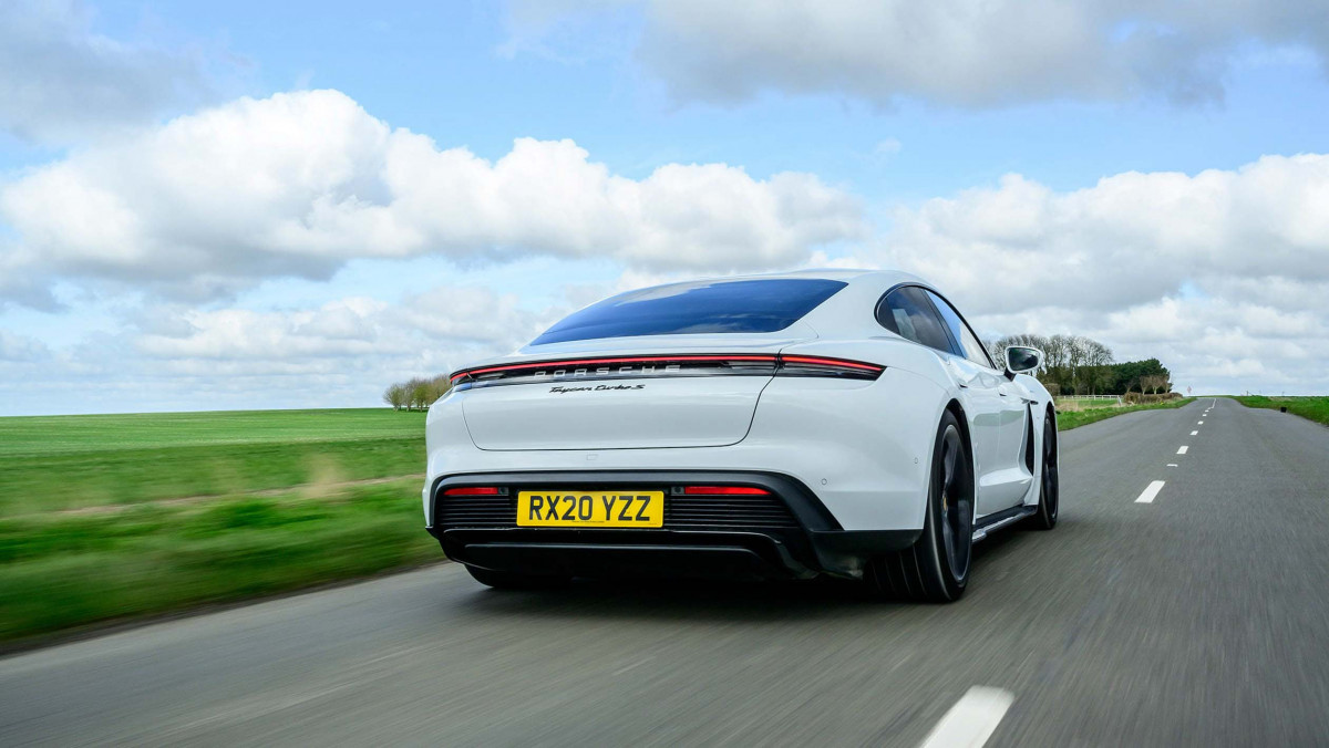Porsche-Taycan-review-19