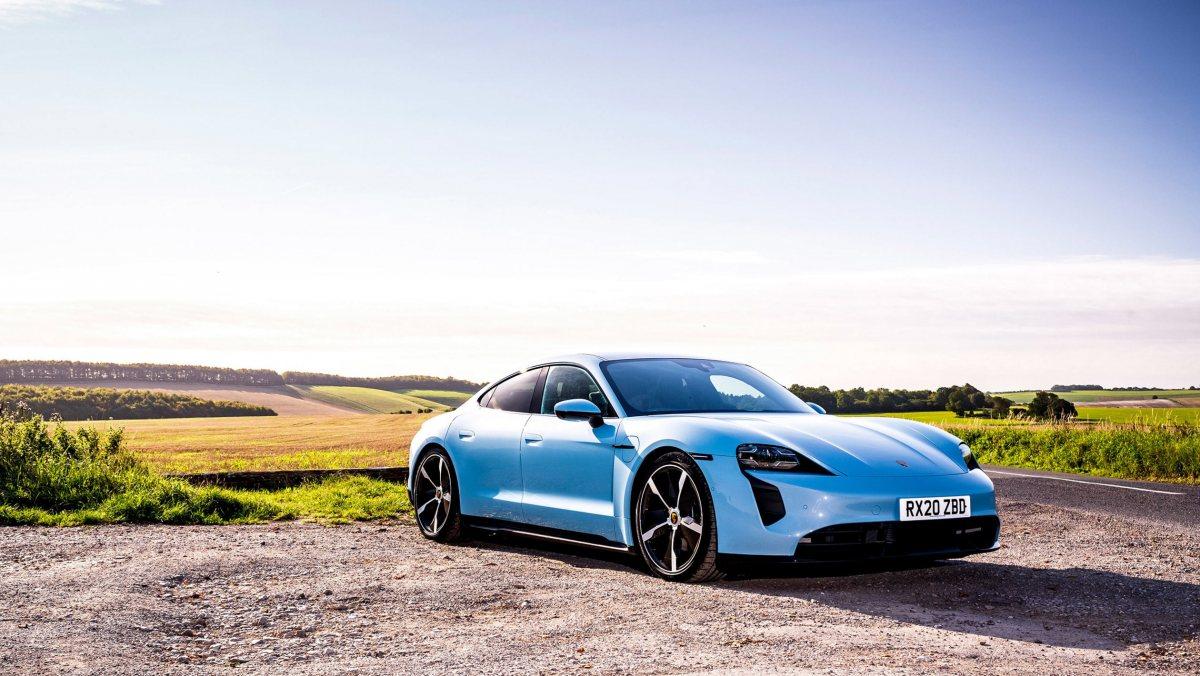 Porsche-Taycan-review-3