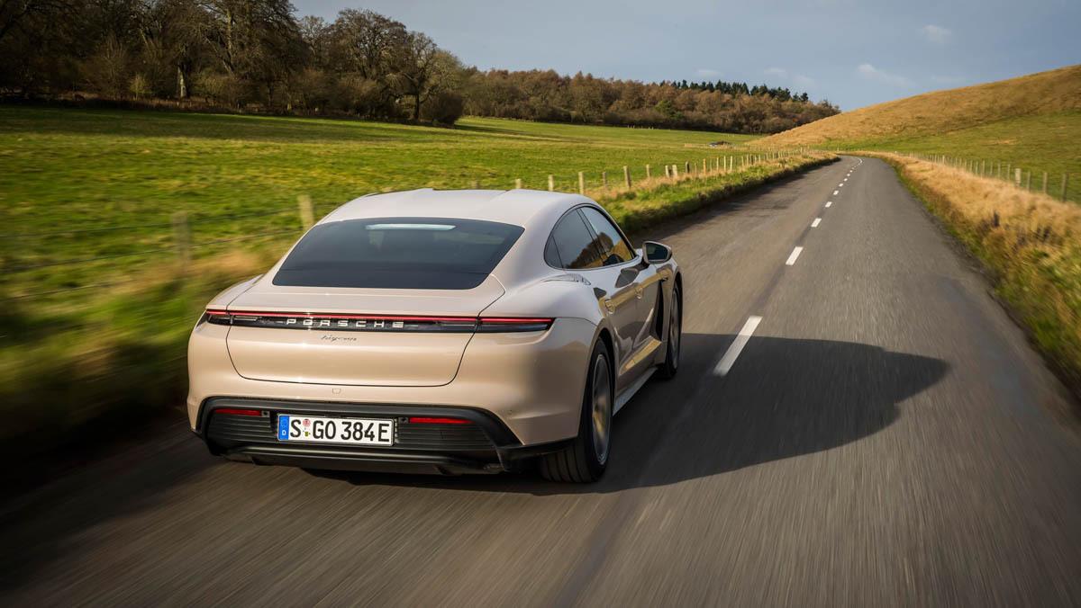 Porsche-Taycan-RWD-2