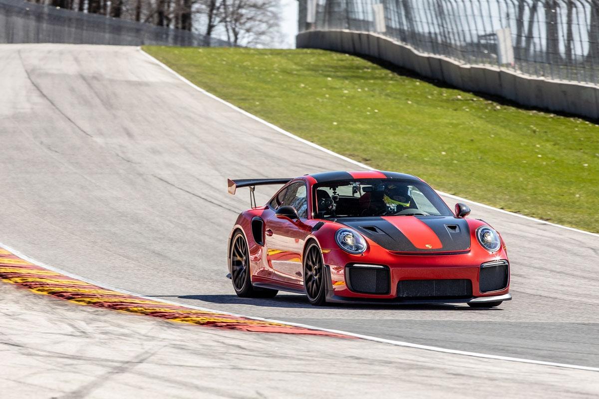 Porsches-911-GT2-RS-record-1
