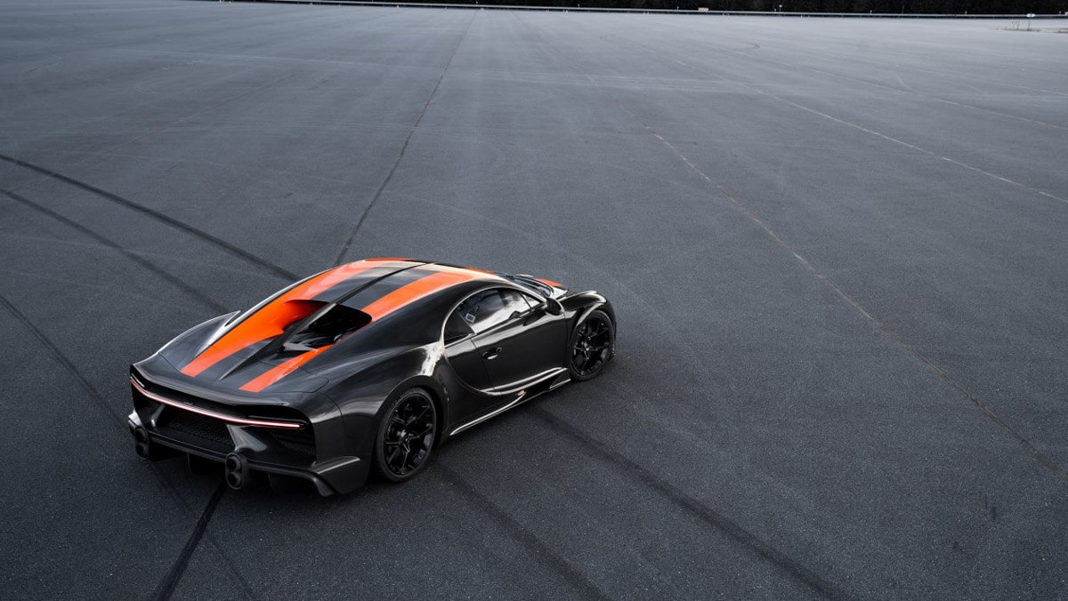 Prototype-Bugatti-Chiron-breaks-2