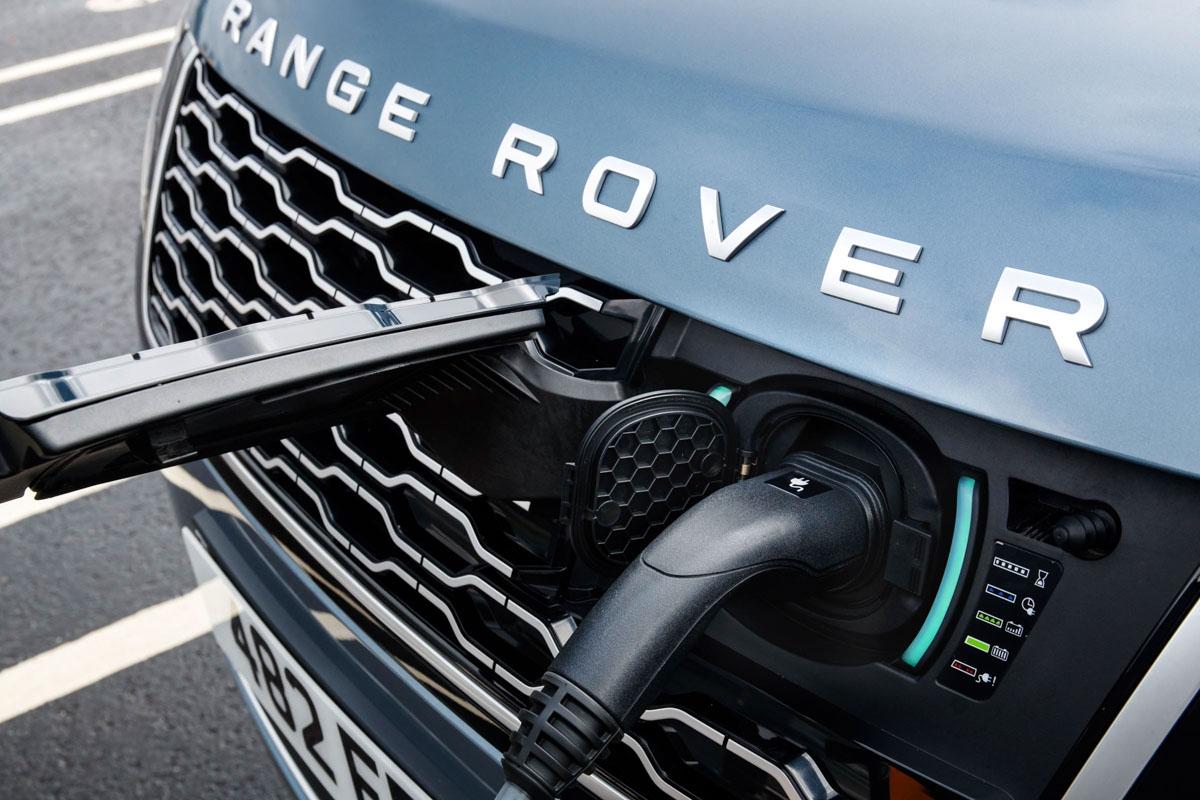 Range Rover PHEV 18MY Global Media Drive