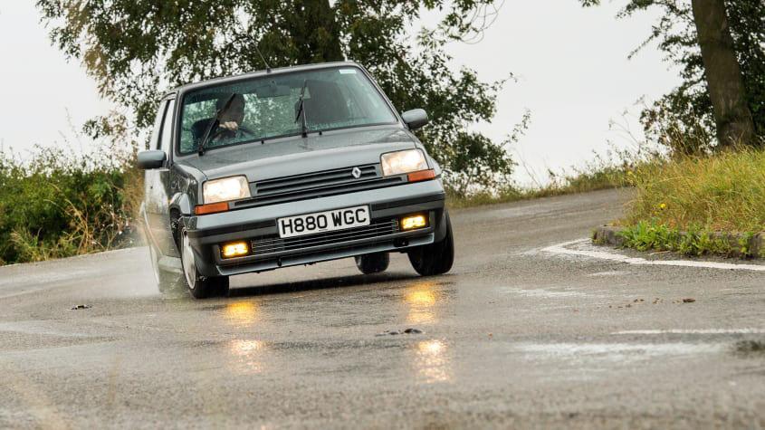 Renault-5-GT-Turbo-1