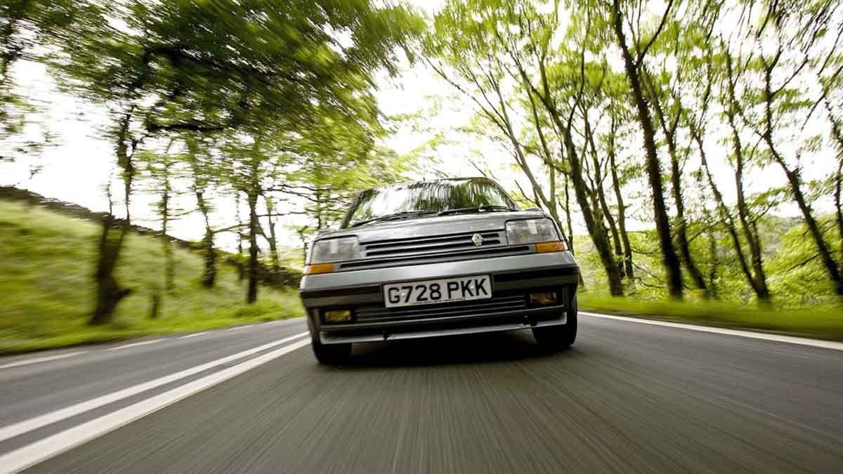 Renault-5-GT-Turbo-12