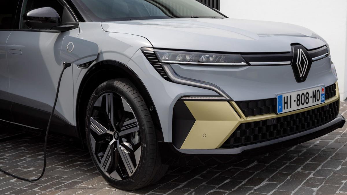 Renault-Megane-E-Tech-10