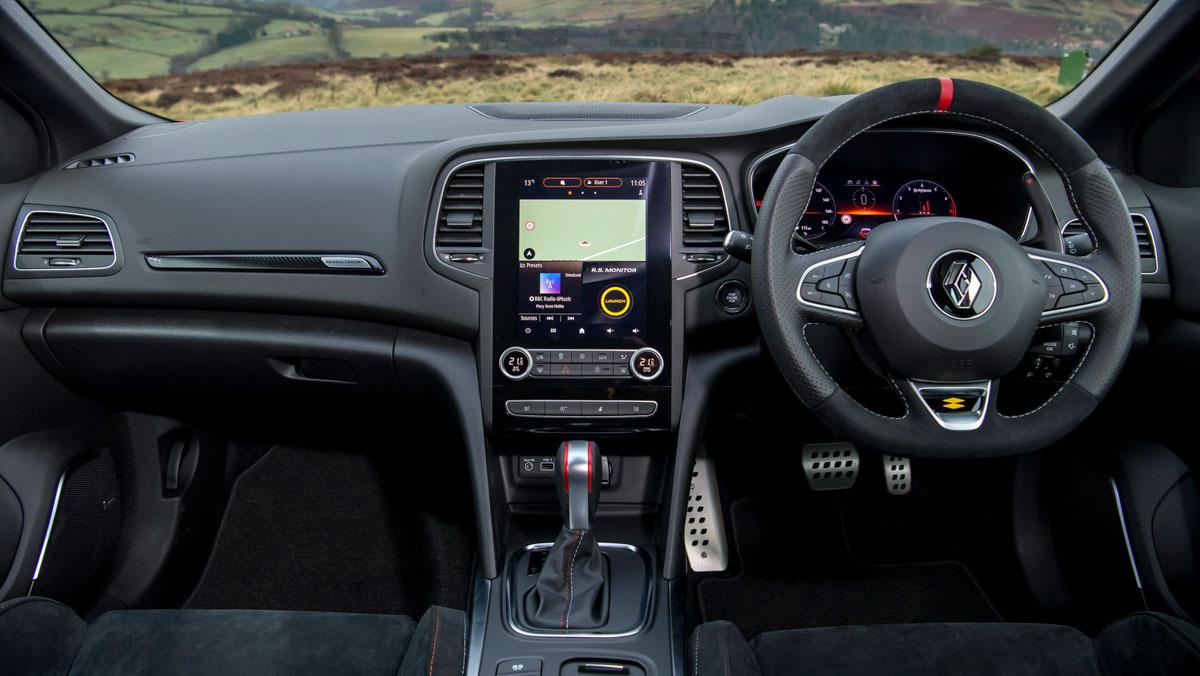 Renault-Megane-RS-300-15