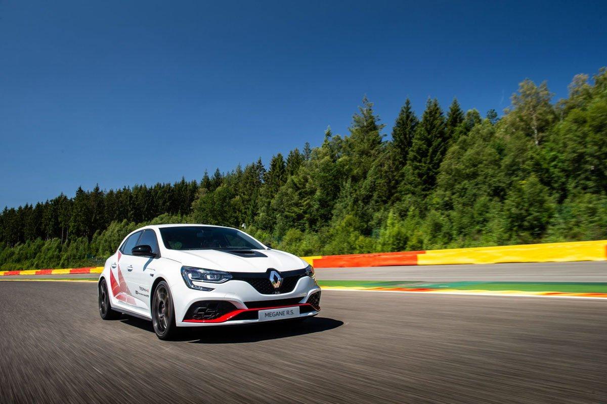Renault-Megane-RS-Trophy-R-2