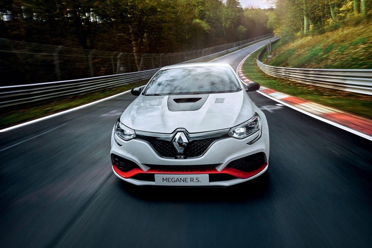 Renault-Megane-RS-Trophy-R-5