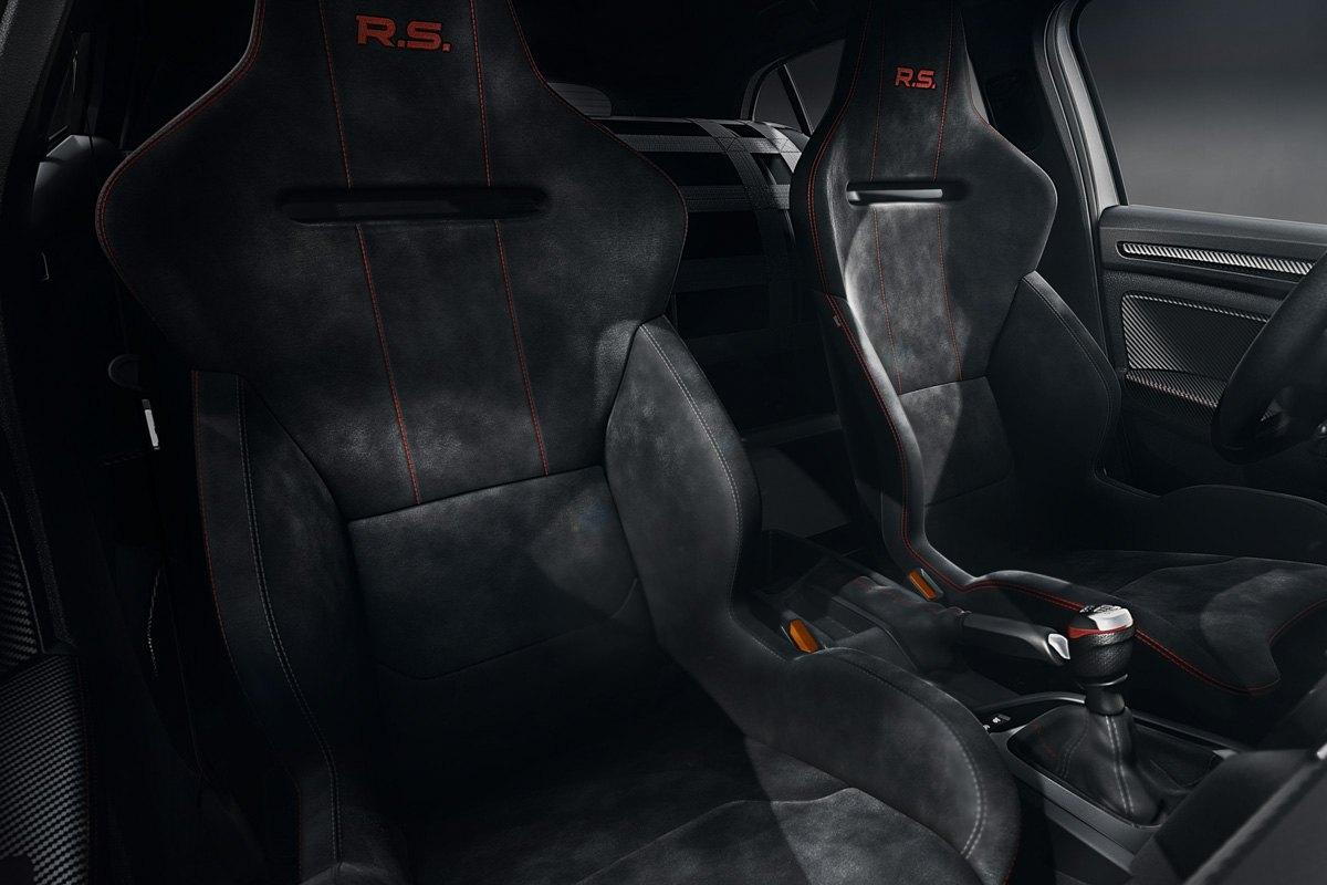 Renault-Megane-RS-Trophy-R-9