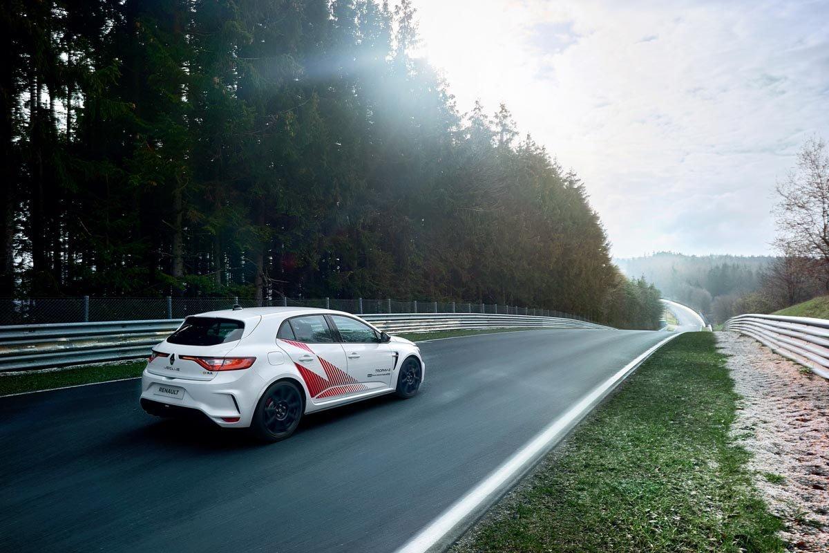Renault-Megane-RS-Trophy-R-6