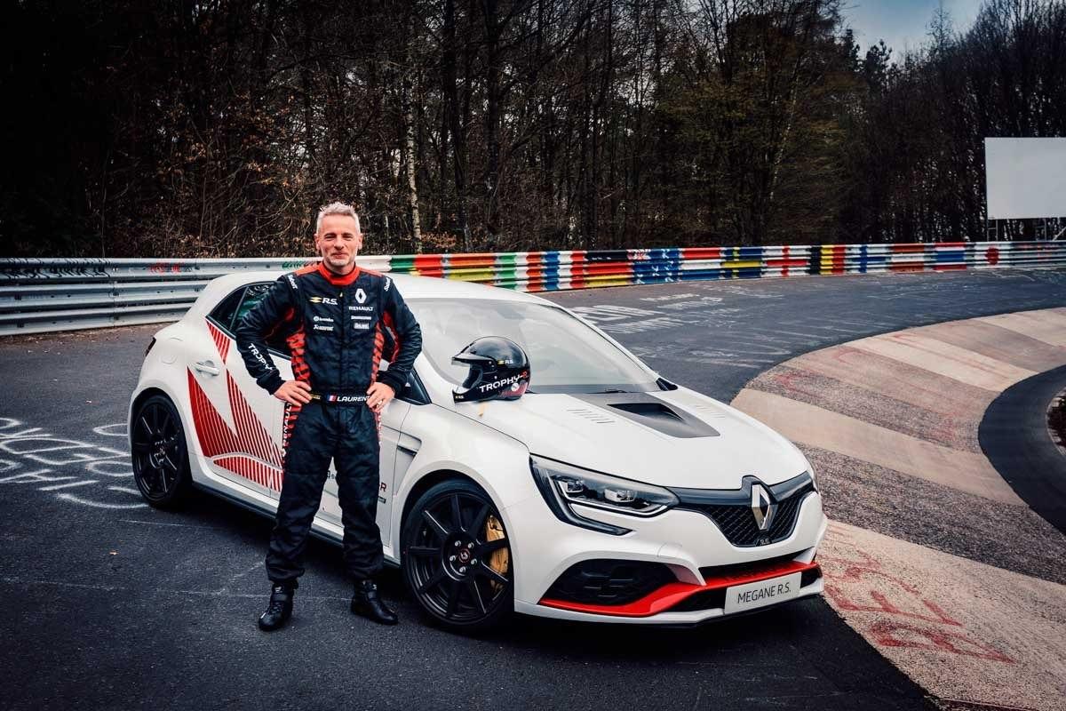 Renault-Megane-RS-Trophy-R-7