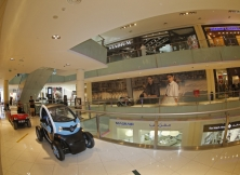 lotus-f1-team-dubai-mall-04