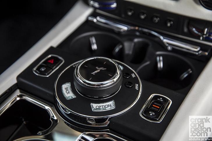 Rolls-Royce Wraith Inspired by Fashion 15