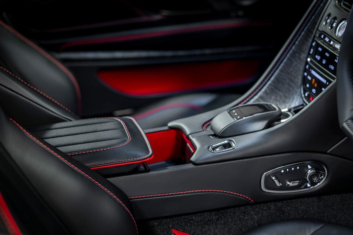 Special-edition-007-Aston-Martin-10