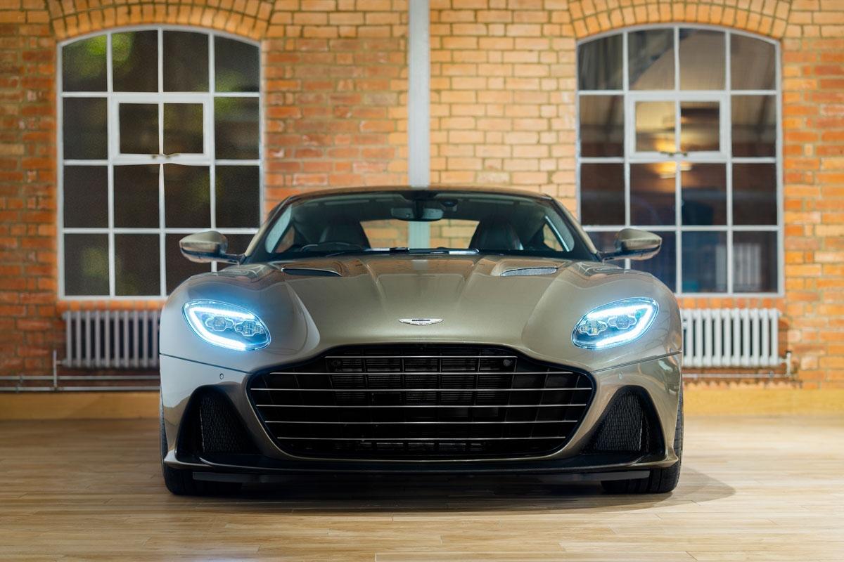 Special-edition-007-Aston-Martin-3