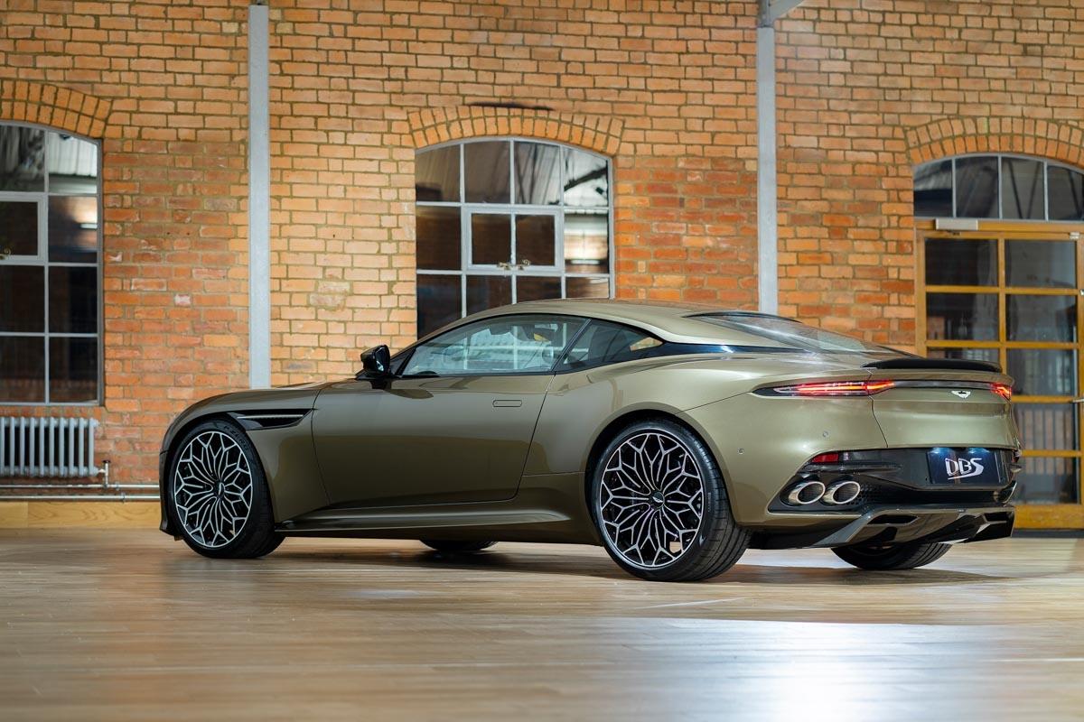 Special-edition-007-Aston-Martin-4