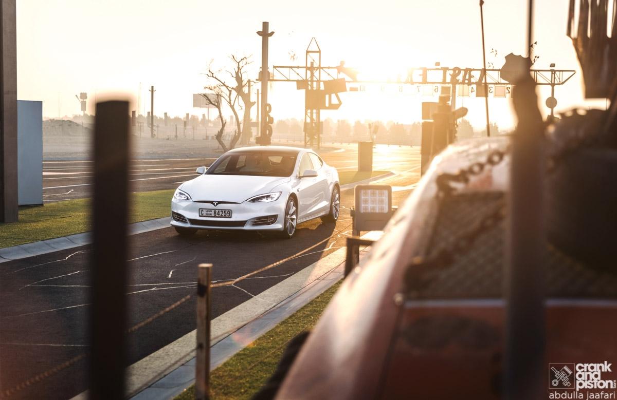 Tesla Model S-1