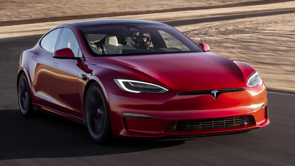 Tesla-Model-S-Plaid-3