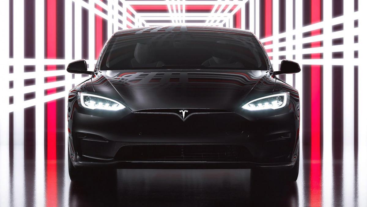 Tesla-Model-S-Plaid-7