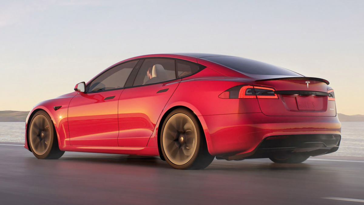Tesla-Model-S-Plaid-8