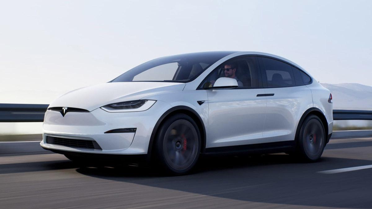 Tesla-Model-X-Plaid-1