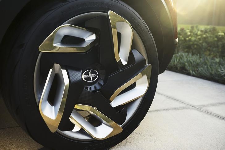 Toyota C-HR Concept-18