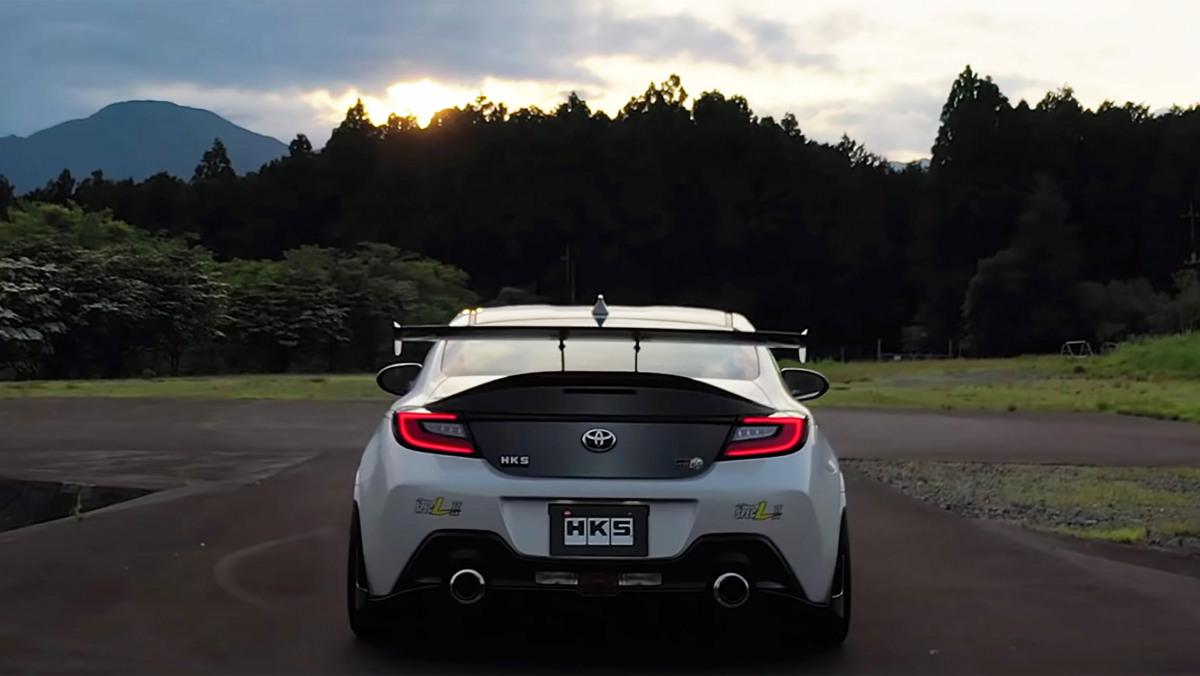 Toyota-GR-86-HKS-3
