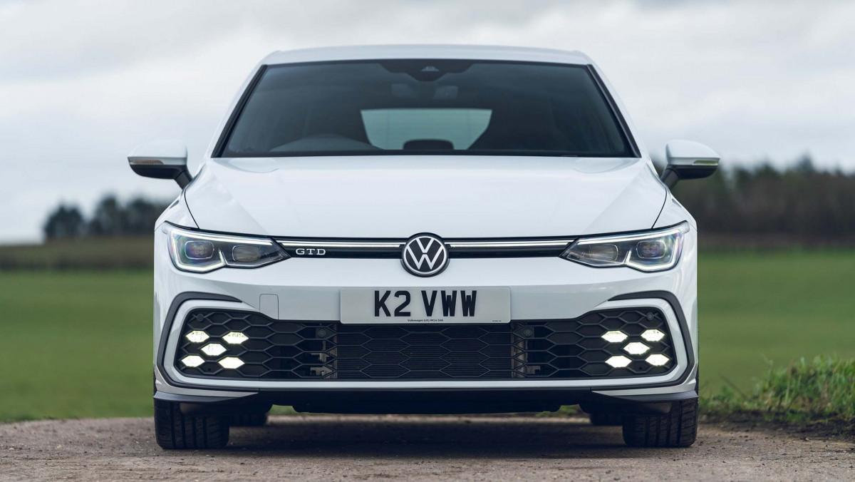 Volkswagen-Golf-GTD-2021-10