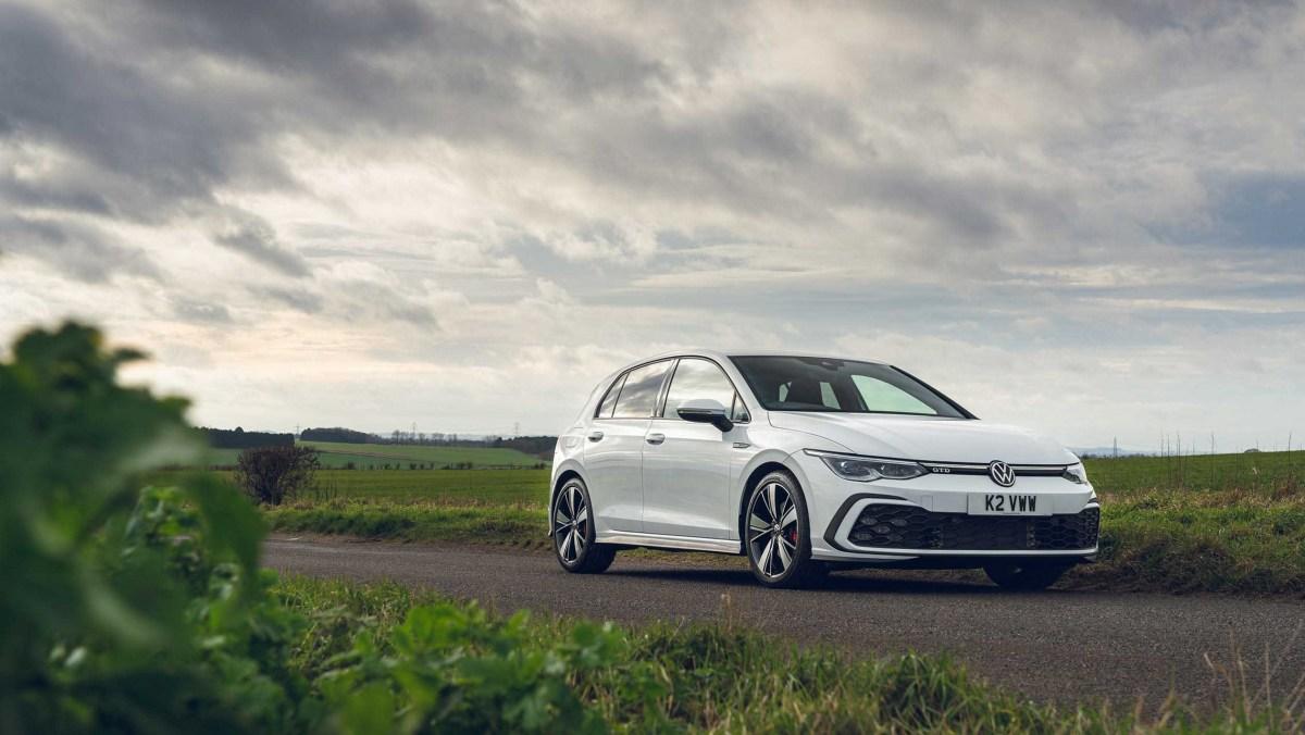 Volkswagen-Golf-GTD-2021-16