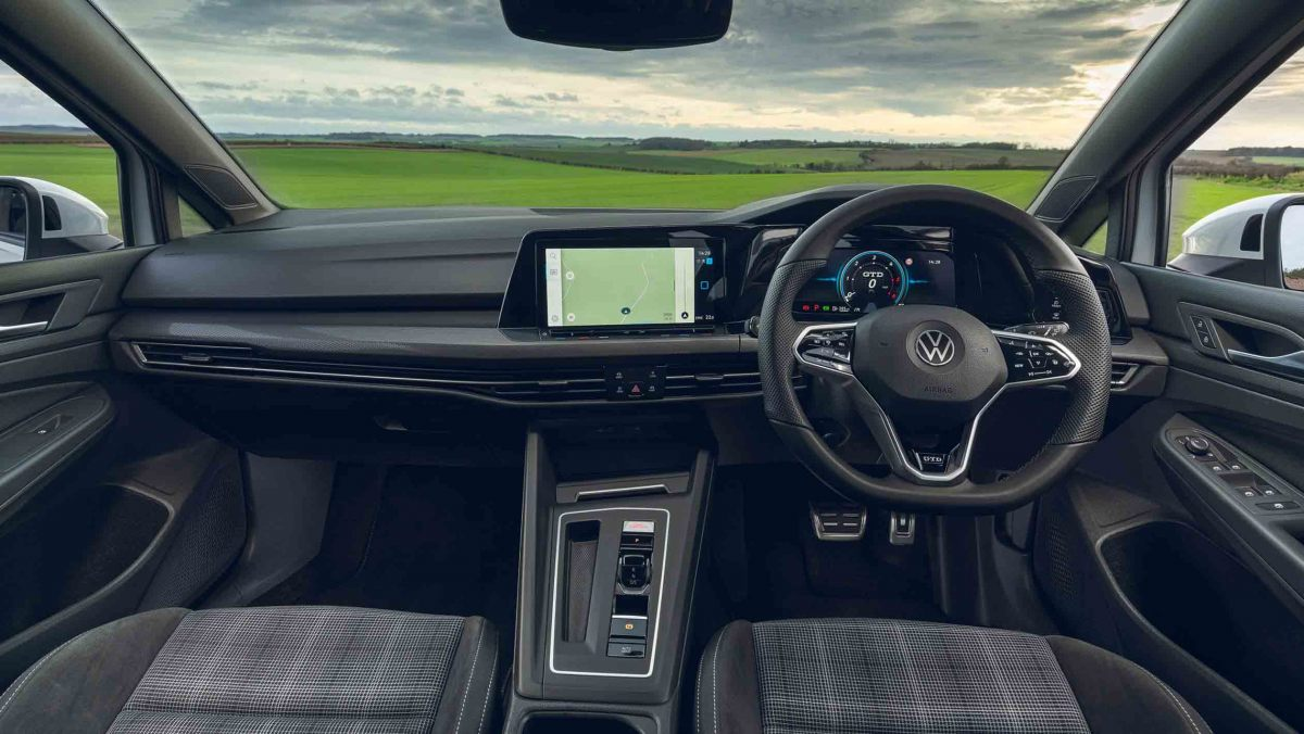 Volkswagen-Golf-GTD-2021-8