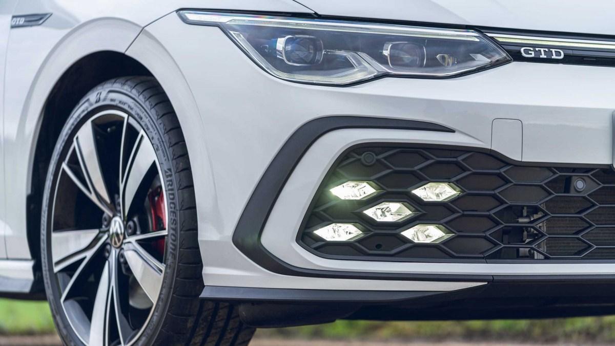 Volkswagen-Golf-GTD-2021-9