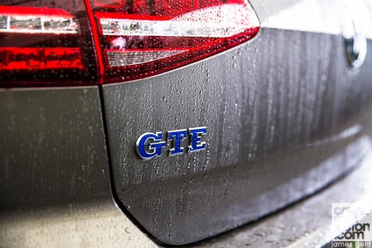 Volkswagen Golf GTE-01