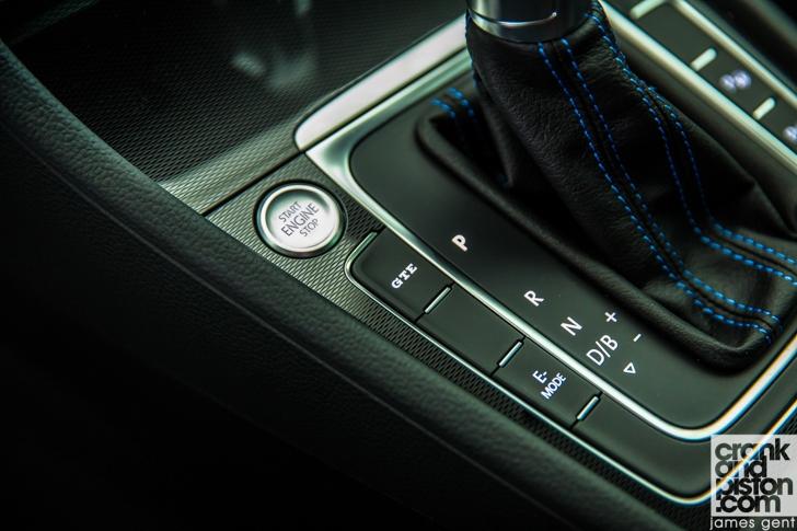Volkswagen Golf GTE-08