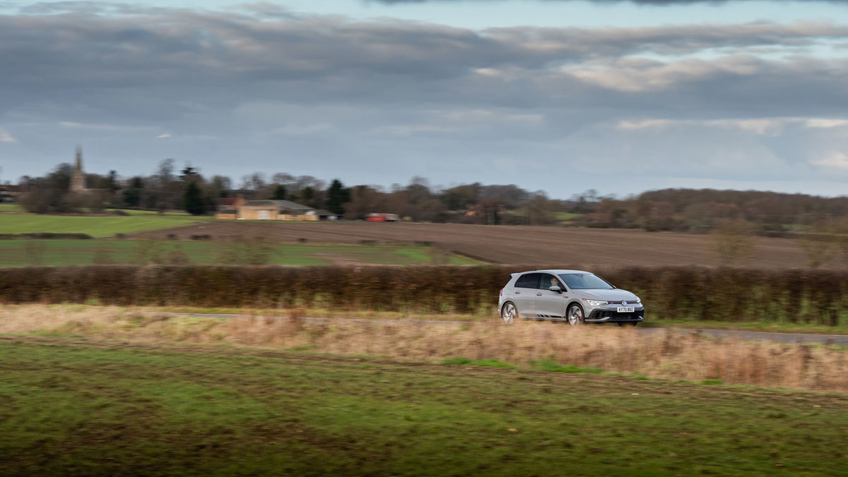 Volkswagen-Golf-GTI-Clubsport-2021-16