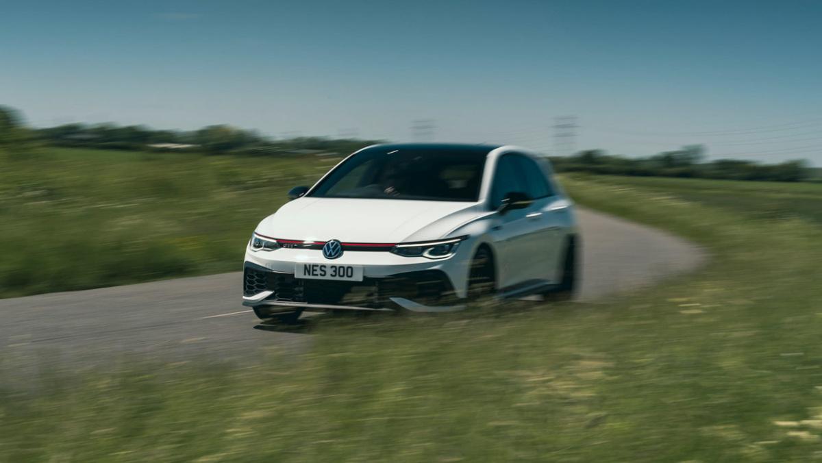 Volkswagen-Golf-GTI-Clubsport-45-12