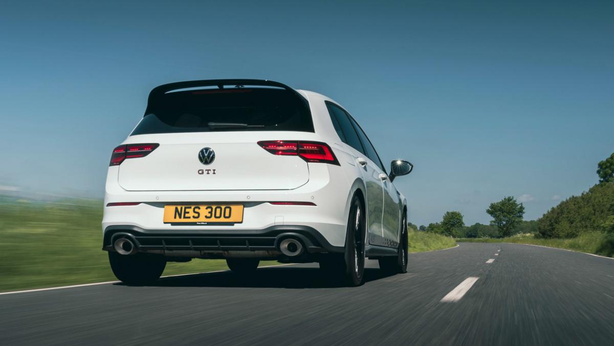 Volkswagen-Golf-GTI-Clubsport-45-2