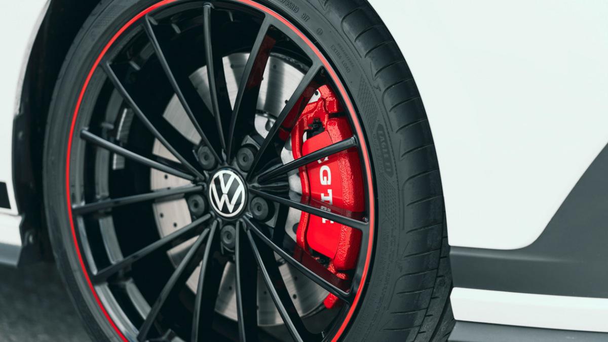 Volkswagen-Golf-GTI-Clubsport-45-6