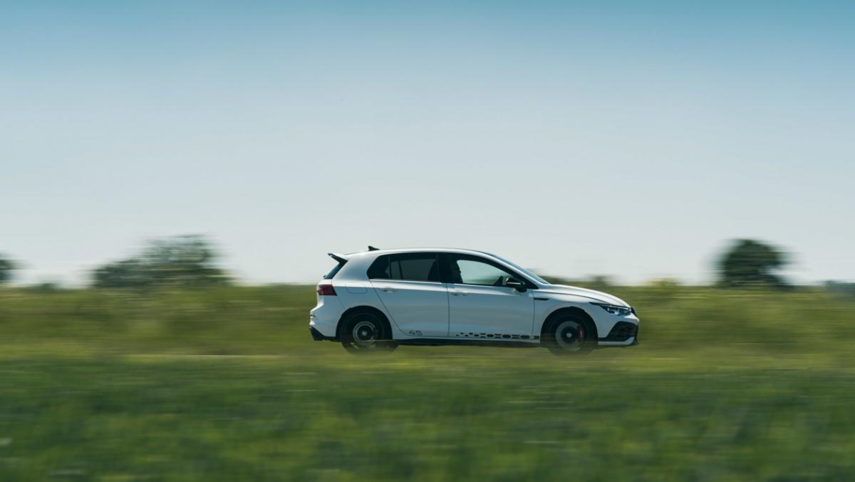 Volkswagen-Golf-GTI-Clubsport-45-9