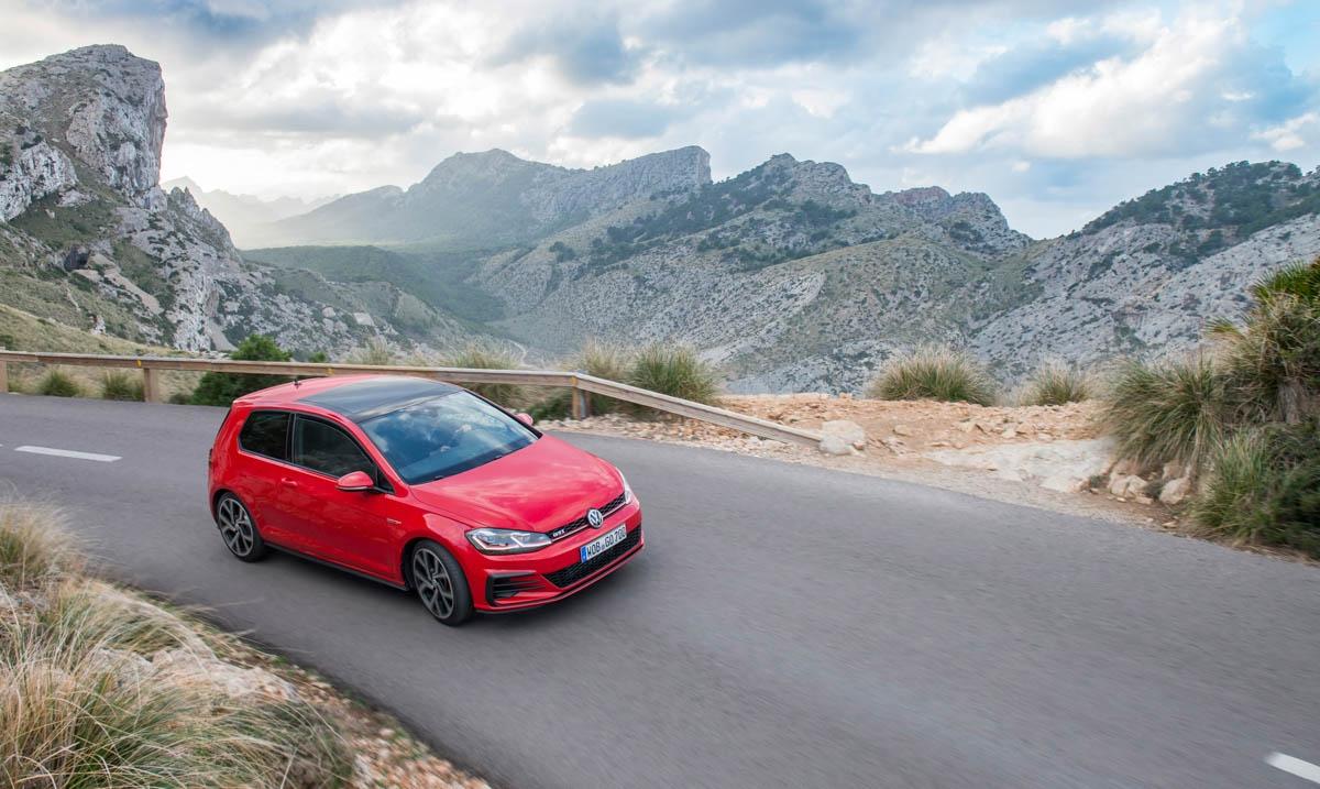 Volkswagen Golf GTI review-2