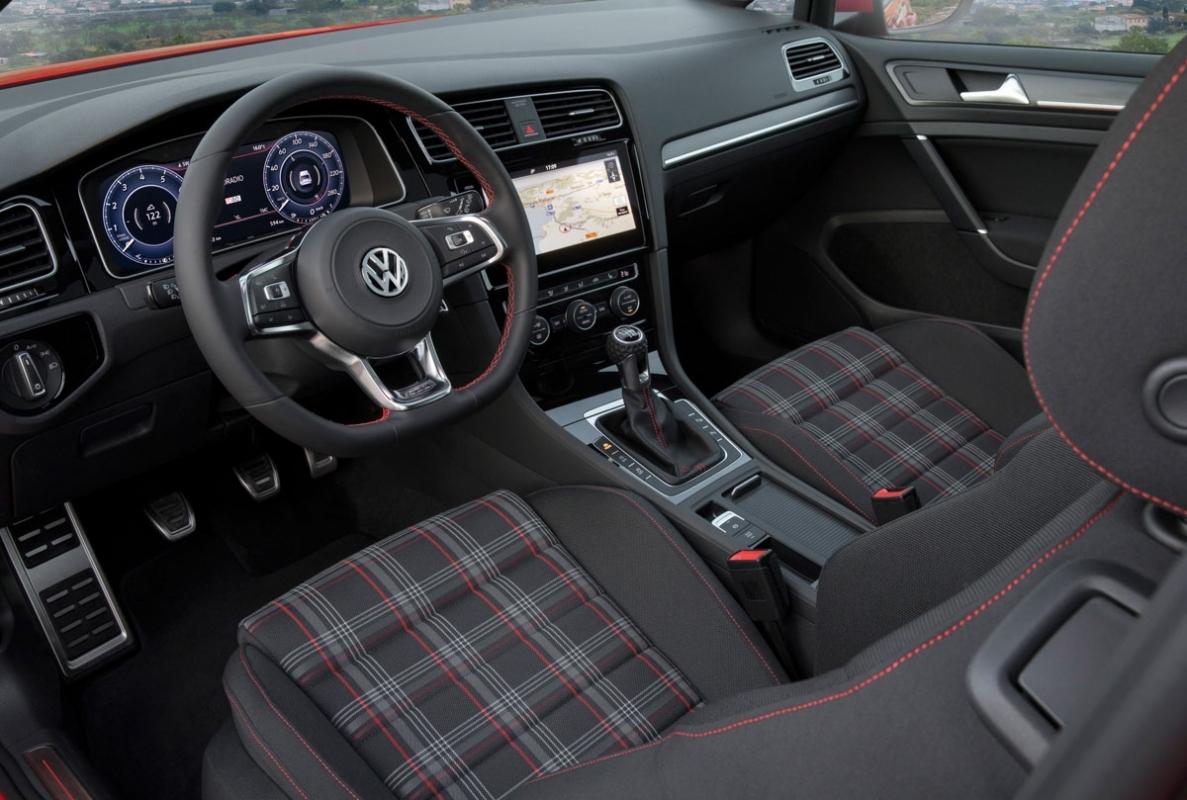 Volkswagen Golf GTI review-11